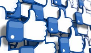 台湾では Facebook が主流