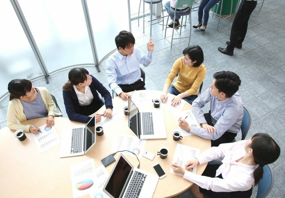 コンテンツマーケティングに取り組む際の、社内コンテンツ制作体制を築く際のポイントのアイキャッチ画像