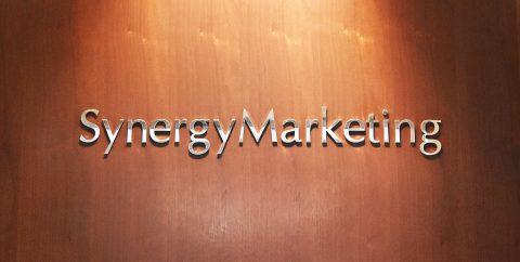 シナジーマーケティング ロゴ